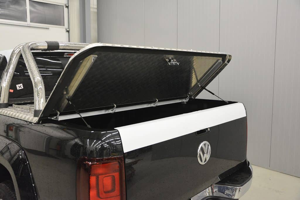 laderaumabdeckung vw amarok mit klappe fes innovations. Black Bedroom Furniture Sets. Home Design Ideas